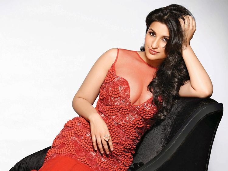short height actress Parineeti Chopra