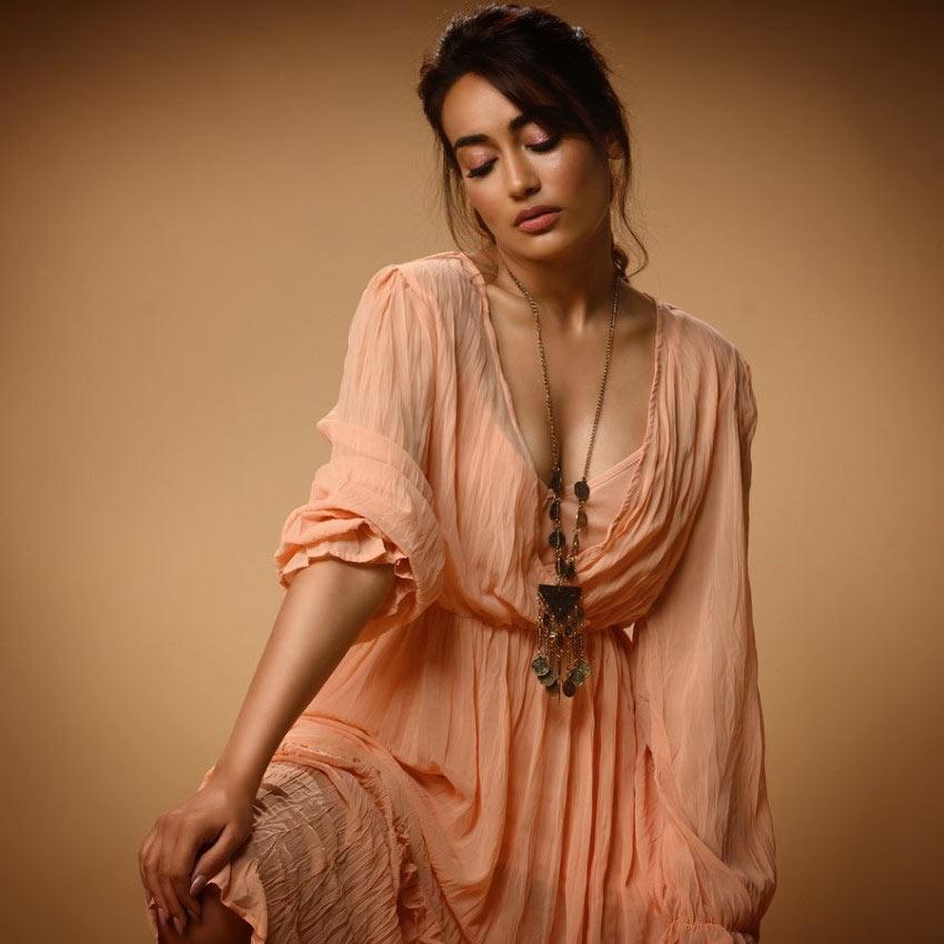 hot serial actress
